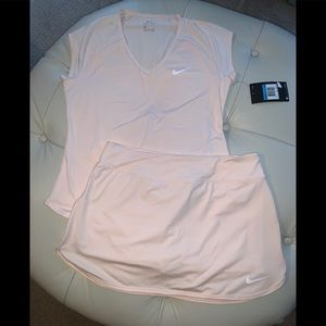 NWT Nike women's medium tennis skirt/top